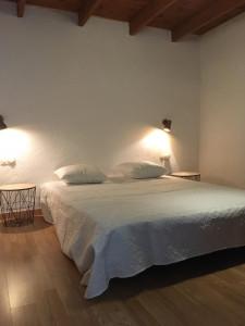chambre du bas avec lit en 160 cm x 200 cm